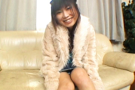 Rin Satomi Beautiful Asian doll shaves her pussy and shows it off